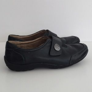 Naturalizer Black Casual Velcro Flats 7M